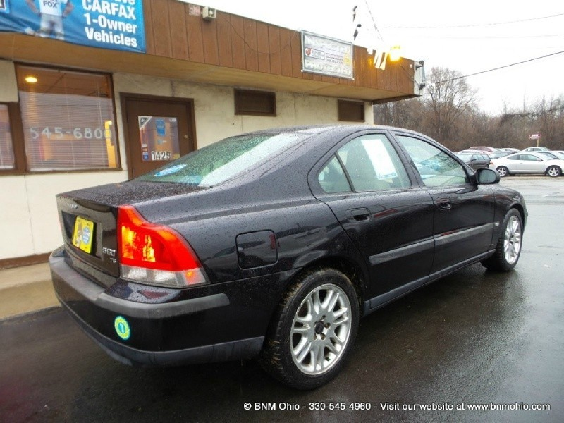 2002 volvo s60 t5 a sr 4dr sdn manual w sunroof bnm auto group rh bnmohio com BMW Power Volvo S60 Top Rack