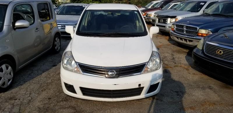 Nissan Versa 2010 price $6,000