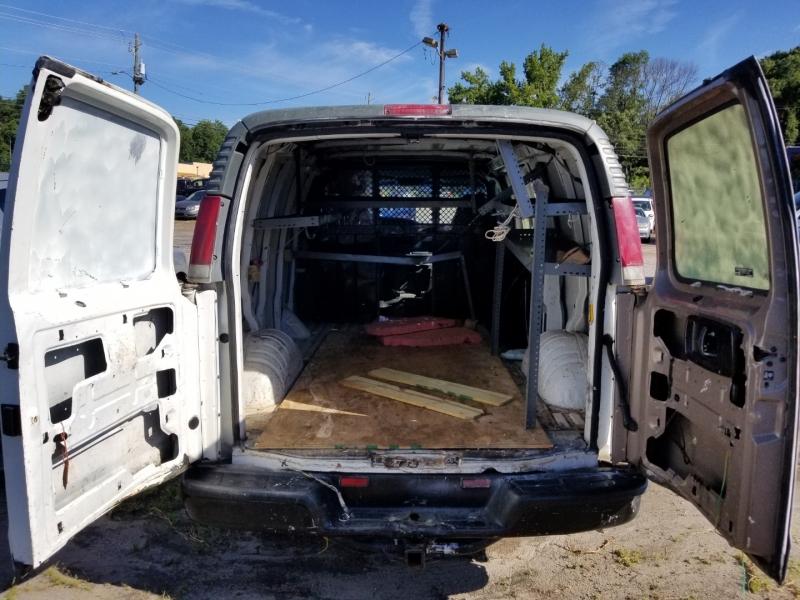 Chevrolet Express Cargo Van 2000 price $4,500