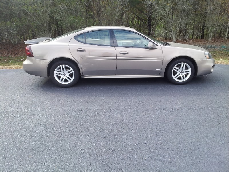 Pontiac Grand Prix 2006 price $4,000