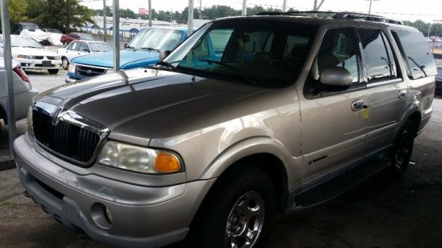 2001 Lincoln Navigator, W/ 3RD ROW SEAT