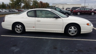 2001 Chevrolet Monte Carlo SS, SUNROOF, AND LEATHER SEATS