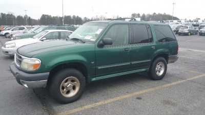 2000 Ford Explorer WB XLT AWD