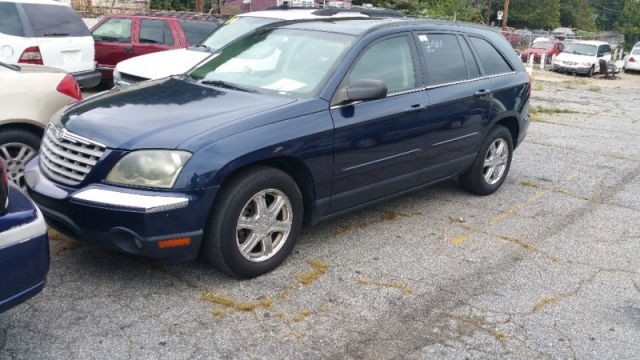 2004 Chrysler Pacifica, W/ A 3RD ROW SEAT LEATHER