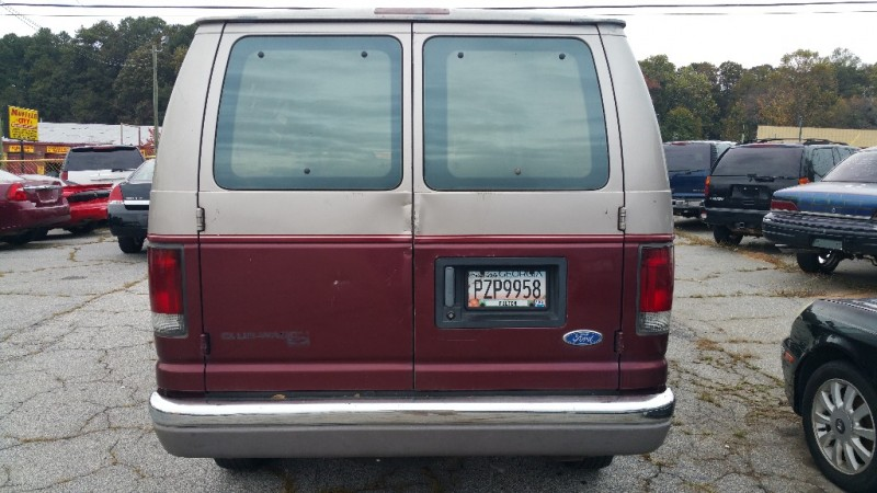 Ford Club Wagon 12 PASSENGER VAN 1995 price $3,000 Cash