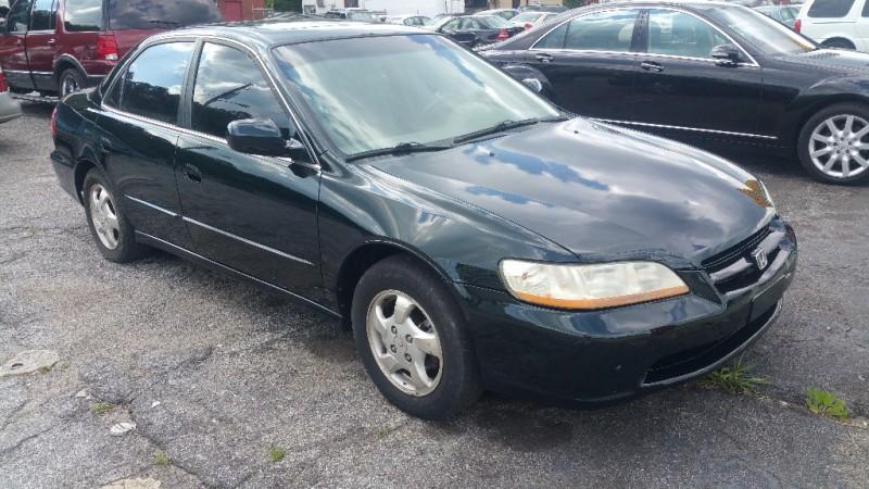 Honda Accord Sdn 2000 price $3,000 Cash