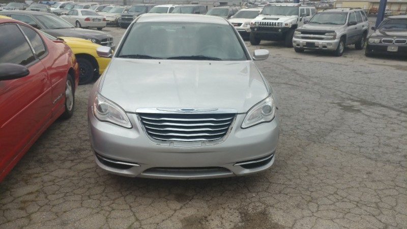 Chrysler 200 2012 price $5,500