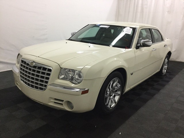 Chrysler 300 2005 price $6,000