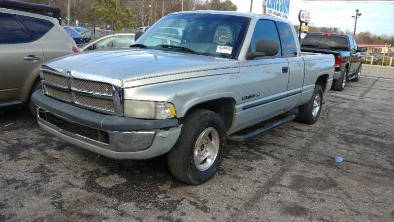 Dodge Ram 1500 2000 price $1,500
