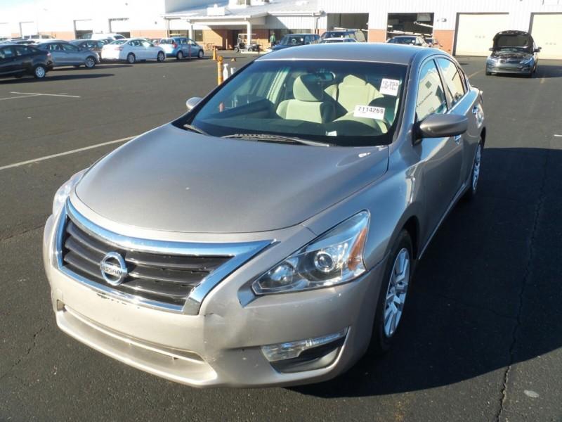 Nissan Altima 2013 price $9,000