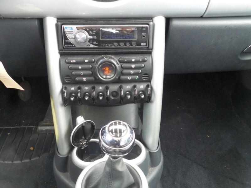 Mini Cooper Hardtop 2003 price $3,500