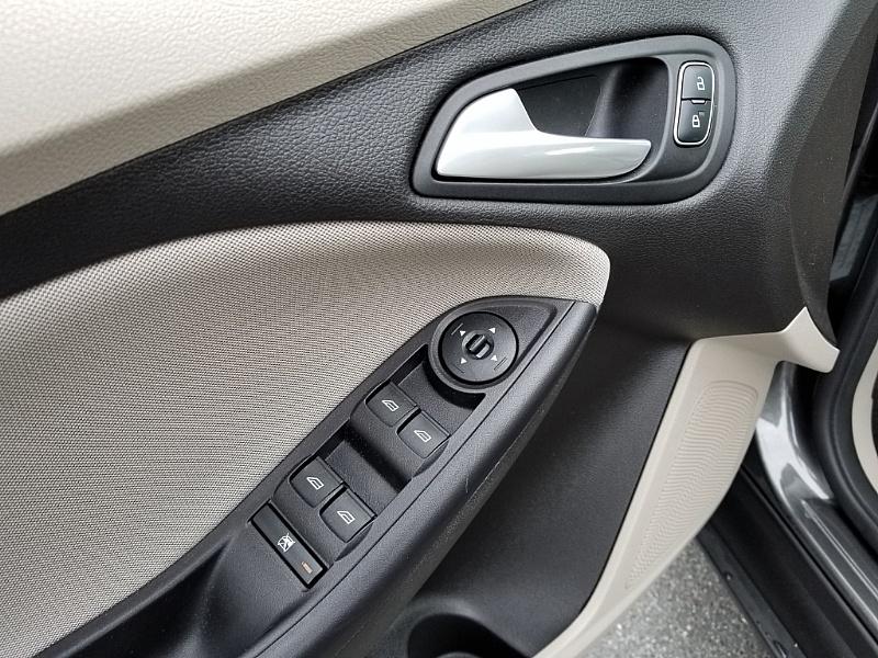 Ford Focus 2015 price $11,900