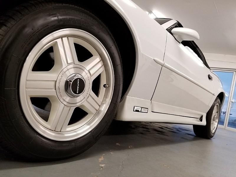 Chevrolet Camaro 1991 price $17,900
