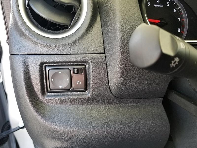 Nissan Versa Sedan 2017 price $9,995
