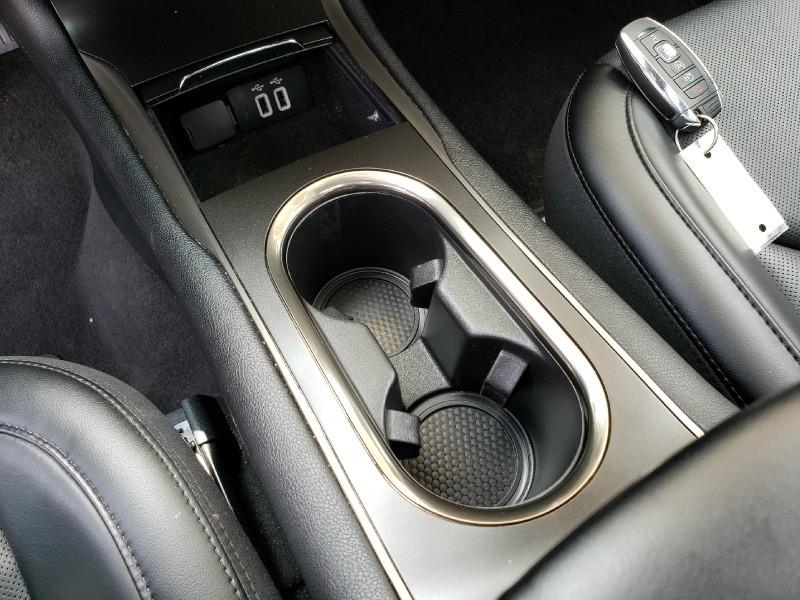 Lincoln MKC 2017 price $28,900