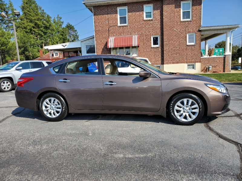 Nissan Altima 2016 price $14,900
