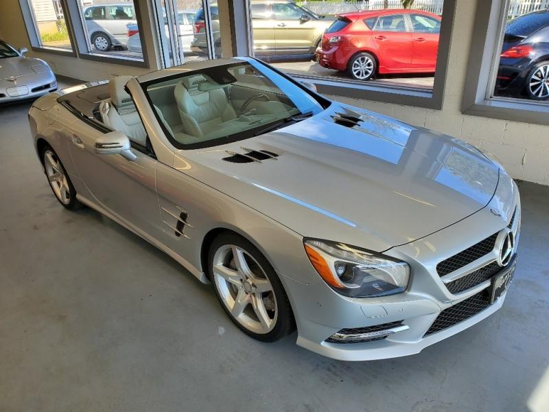 Mercedes-Benz SL-Class 2013 price $39,900
