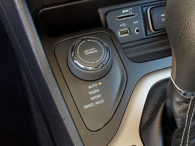 Jeep Cherokee 2017 price $19,900