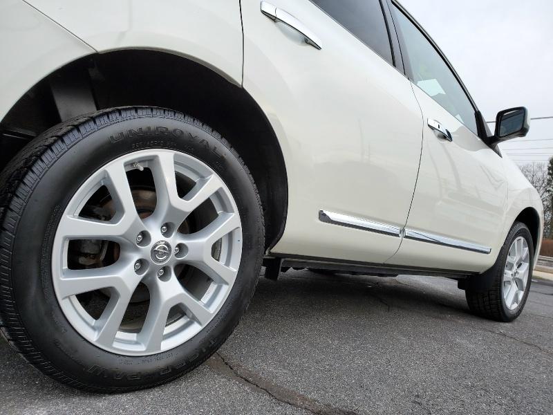 Nissan Rogue 2013 price $13,900