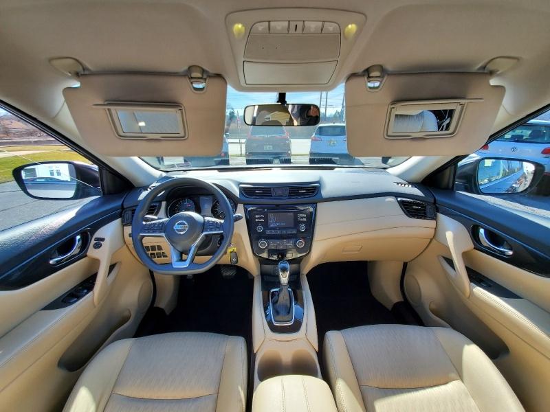 Nissan Rogue 2017 price $16,500