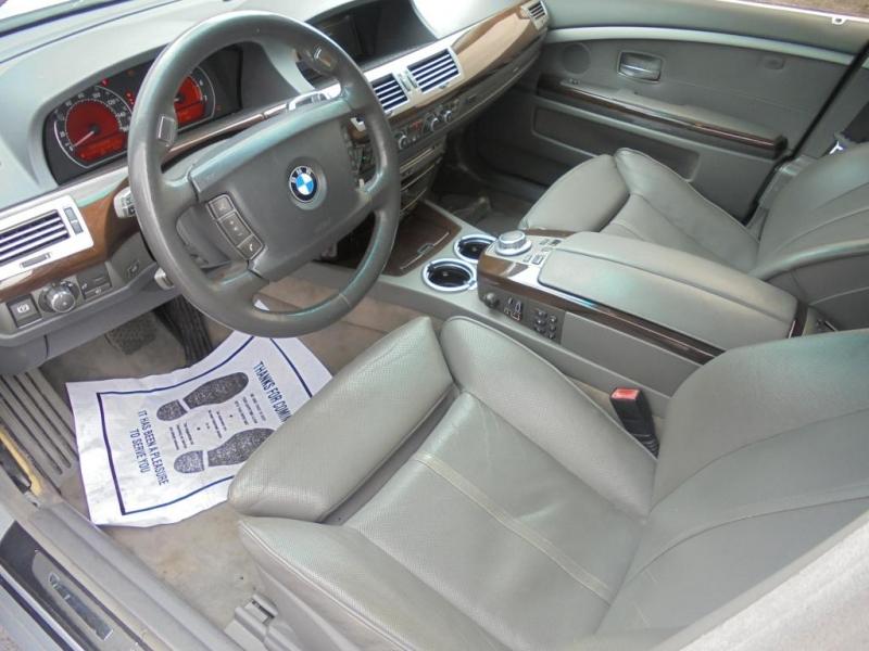 BMW 750 2006 price $4,599