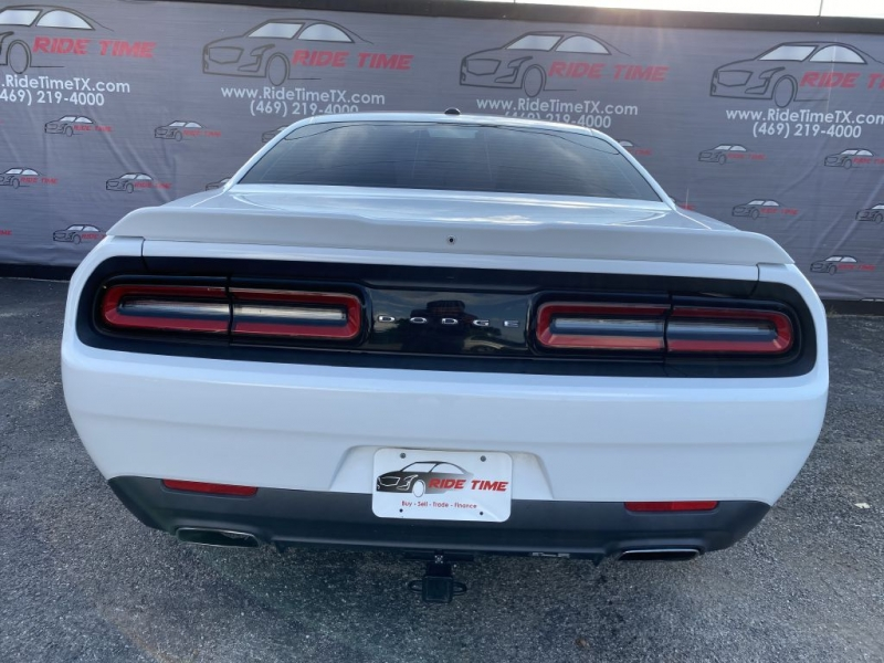 DODGE CHALLENGER 2016 price $17,999