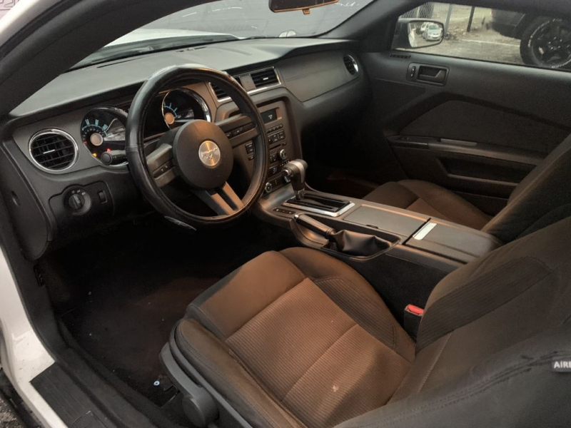 FORD MUSTANG 2010 price $7,999