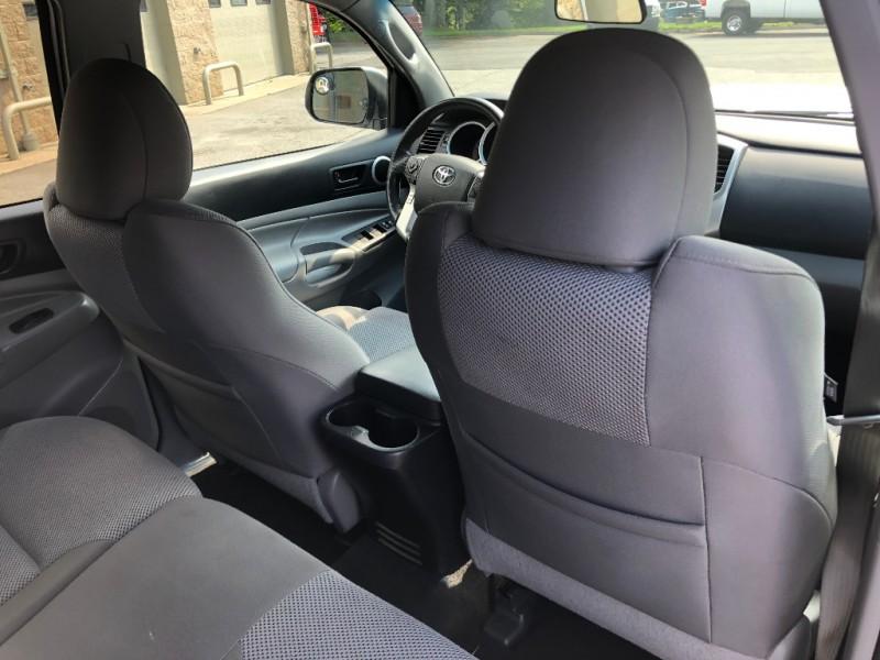 Toyota Tacoma 2014 price $25,900