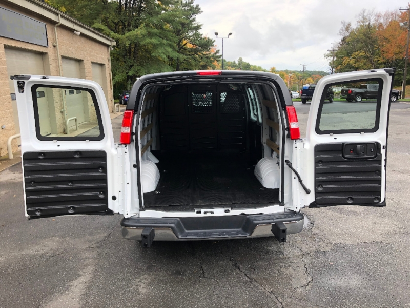 GMC Savana Cargo Van 2018 price $23,800