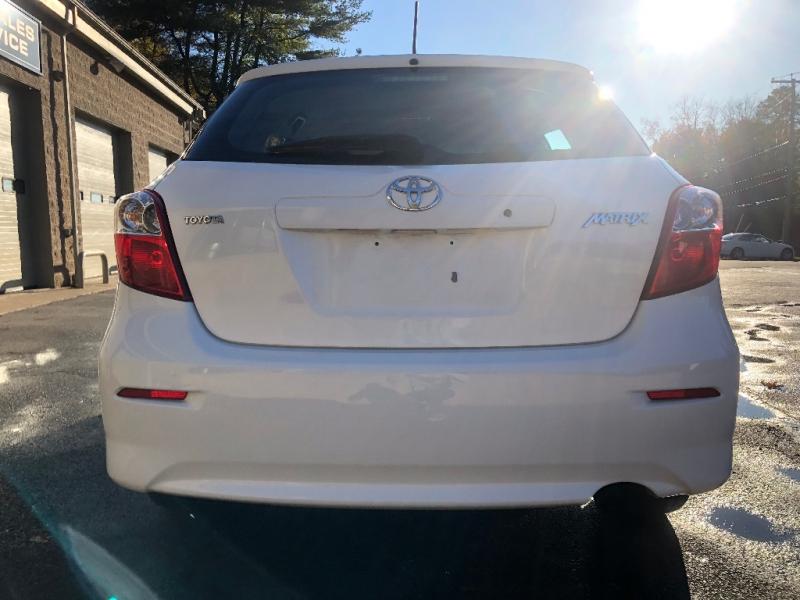 Toyota Matrix 2009 price $9,900
