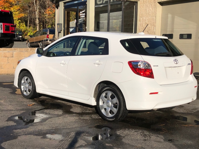 Toyota Matrix 2009 price $9,900