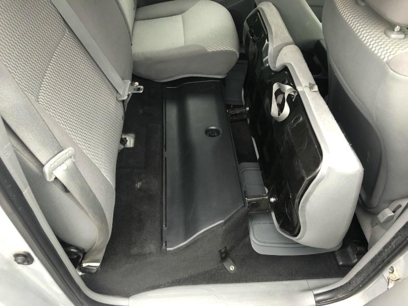 Toyota Tacoma 2012 price $15,900