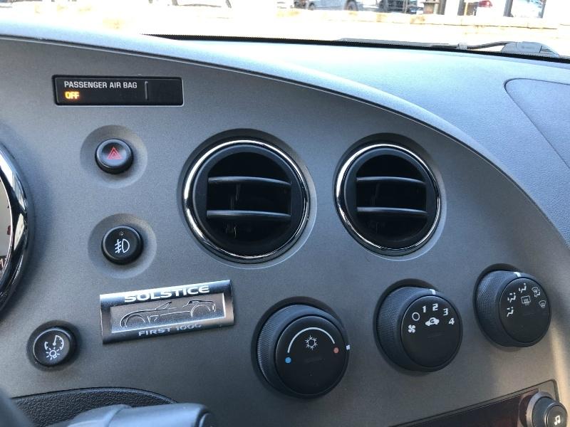 Pontiac Solstice 2006 price $8,900