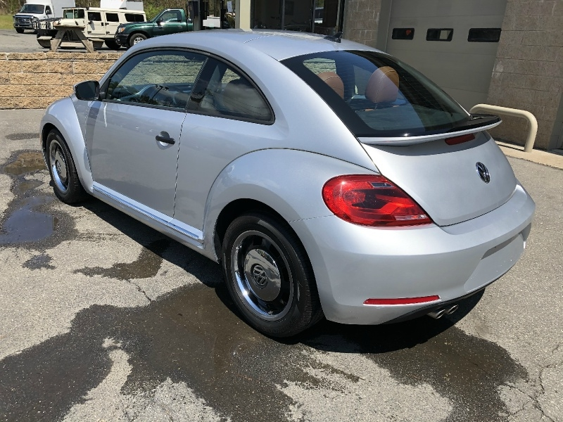 Volkswagen Beetle Coupe 2015 price $14,900