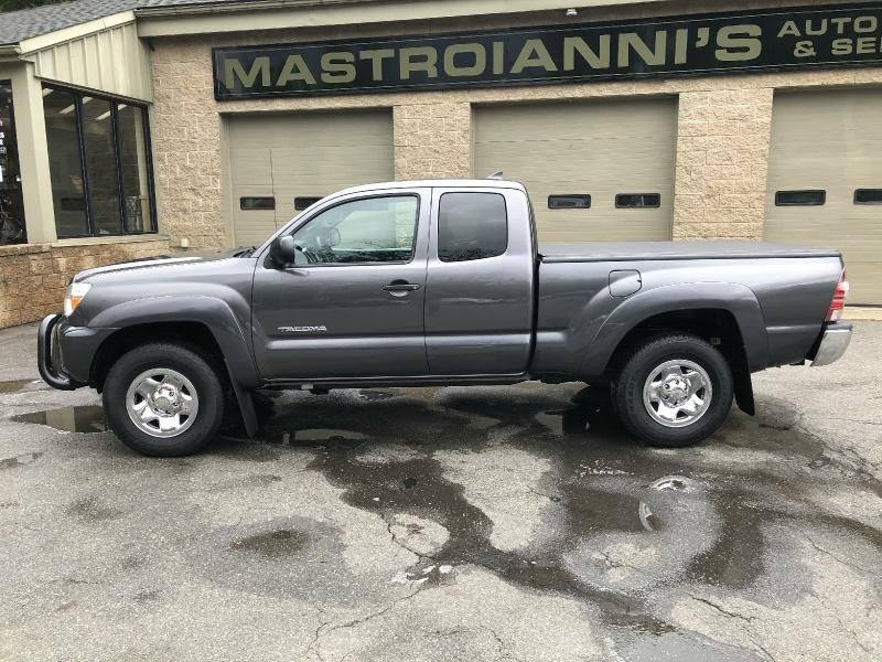 Toyota Tacoma 2014 price $18,800
