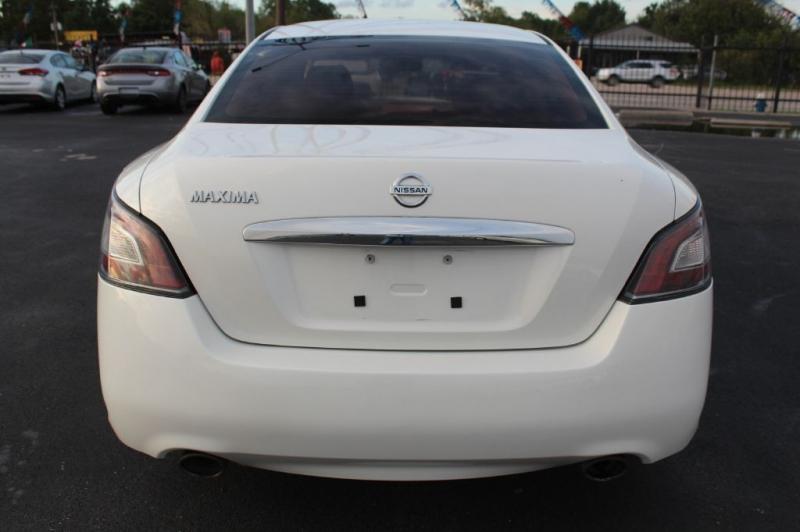 Nissan MAXIMA 2012 price $6,800