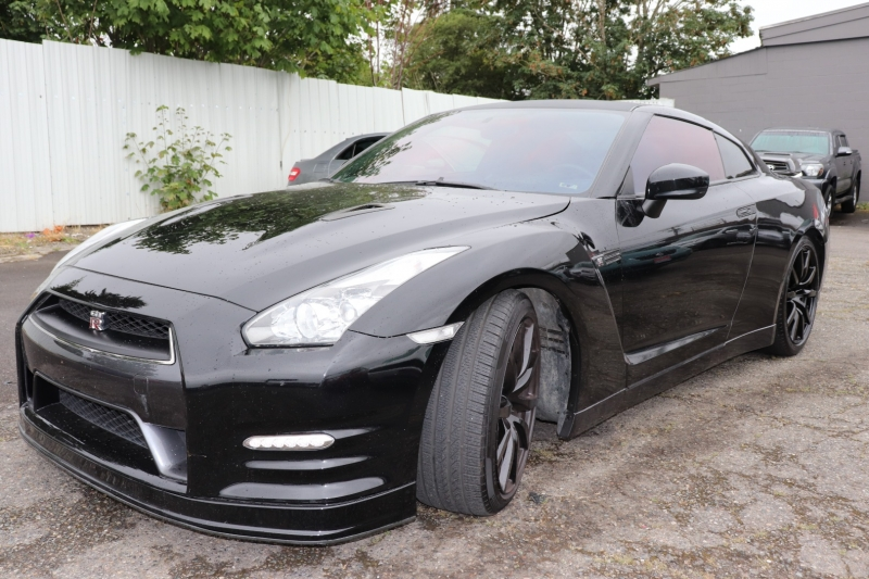 Nissan GT-R 2014 price $52,950