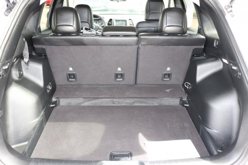 Jeep Cherokee 2020 price $21,950
