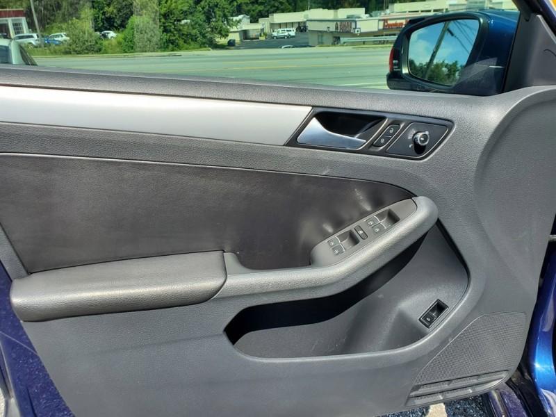 Volkswagen Jetta 2014 price $1,000