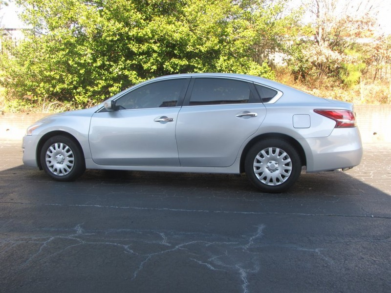 Nissan Altima 2013 price $1,000