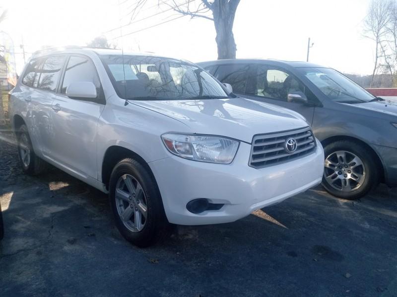 Toyota Highlander 2010 price $1,700