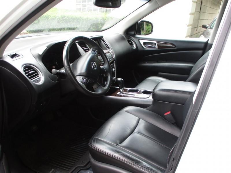 Nissan Pathfinder 2014 price $2,500