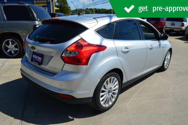 Ford Focus 2012 price $10,975