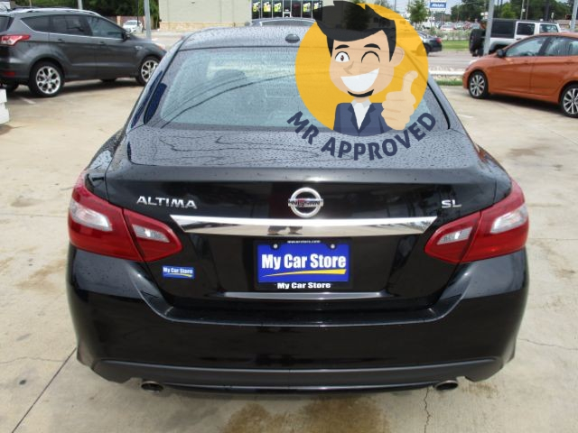 Nissan Altima 2018 price $17,084