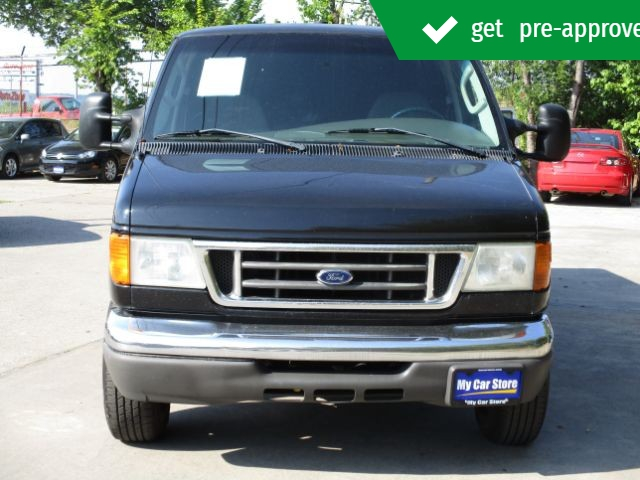 Ford Econoline 2006 price $8,499