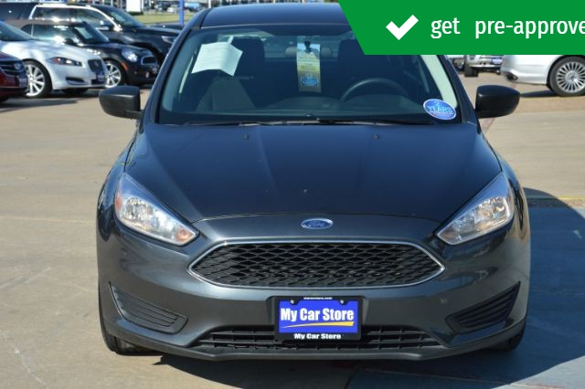 Ford Focus 2018 price $12,678