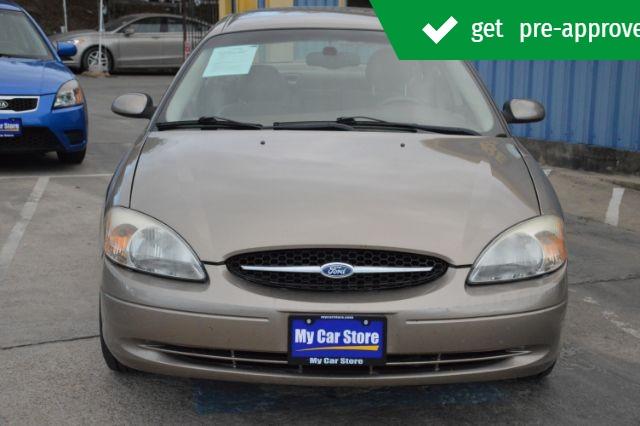 Ford Taurus 2003 price $4,280