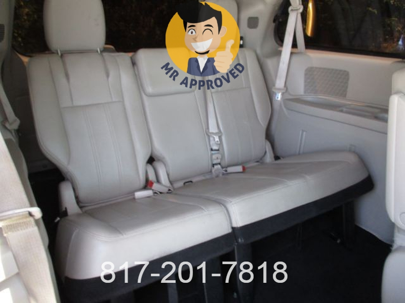 Chrysler Town & Country 2013 price $11,295