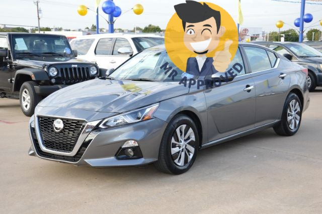 Nissan Altima 2019 price $18,800