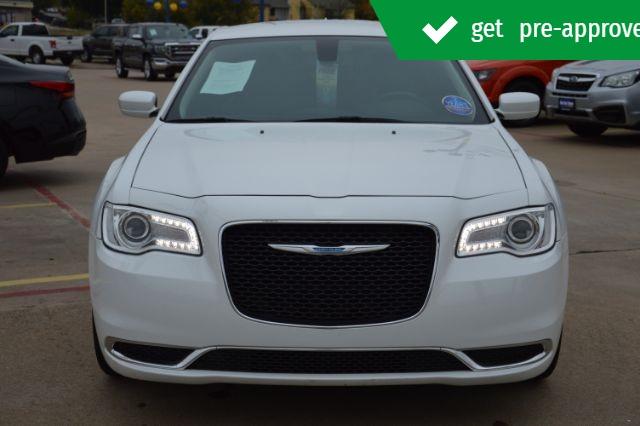 Chrysler 300 2017 price $19,610